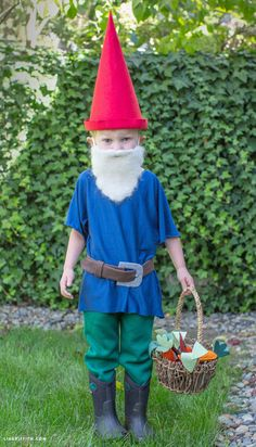 DIY Halloween Gnome Costume by Lia Griffith - love the little beard! DIY Halloween Gnome Costume by Lia Griffith - love the little beard! Baby Gnome Costume, Elf Costume, Cute Costumes, Costume Ideas, Costumes Kids, Childrens Halloween Costumes, Homemade Halloween Costumes, Xmas, Outfits