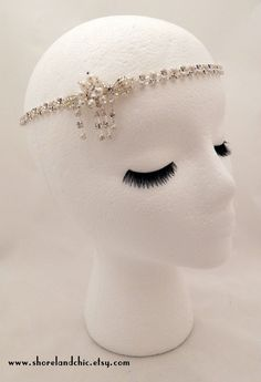 Hey, I found this really awesome Etsy listing at https://www.etsy.com/listing/203392824/the-sybil-crystal-pearl-hair-piece
