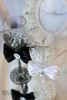 Wine black white wedding glasses from the collection by DiAmoreDS