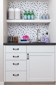 how to decorate a tiny kitchen
