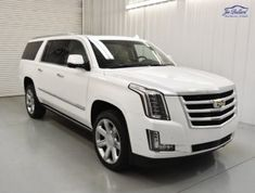 Apart from the original Cadillac Escalade, the Escalade ESV broadens appeal to customers by offering maximum passenger room and cargo space. The ESV off… Escalade Ext, Cadillac Escalade, Chevy Girl, Chrome Wheels, Luxury Suv, Stitching Leather, Audio System, My Ride, Automatic Transmission