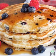 Easy Vegan Pancakes Recipe can be whipped together in just 10 minutes and makes . Easy Vegan Pancakes Recipe can be whipped together in just 10 minutes and makes for the perfect veg Vegan Pancake Recipes, Vegan Foods, Vegan Dishes, Vegan Desserts, Dessert Recipes, Cooking Recipes, Vegan Blueberry Pancake Recipe, Vegan Recipes Videos, Cheap Recipes