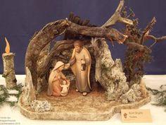 Christmas Grotto Ideas, Christmas Crib Ideas, Christmas Manger, Christmas Wood Crafts, Christmas Nativity Scene, Christmas Scenes, Homemade Christmas Gifts, Christmas Art, Christmas Projects