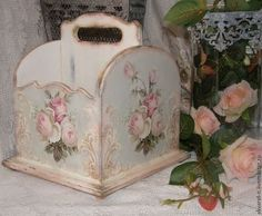 Decoupage with roses. Discussion on LiveInternet - Russian Service Online Diaries Shabby Chic Crafts, Shabby Chic Pink, Shabby Chic Cottage, Vintage Shabby Chic, Decoupage Box, Decoupage Vintage, Farm Crafts, Wood Crafts, Manualidades Shabby Chic
