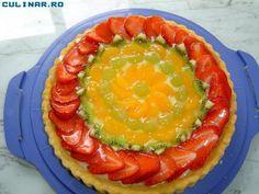 Reteta Tarta cu fructe si crema de vanilie din Carte de bucate, Dulciuri. Specific Romania. Cum sa faci Tarta cu fructe si crema de vanilie
