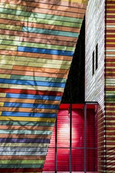 Renzo+Piano+Designs+a+Flat-Pack+Auditorium+for+L'Aquila