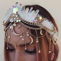 Maybe for the repetition of our handfasting photos - - ? Maybe for the repetition of our handfasting photos – - Festival Outfits, Festival Fashion, Festival Style, Diy Festival Clothes, Festival Costumes, Rave Festival, Cute Jewelry, Hair Jewelry, Stylish Jewelry