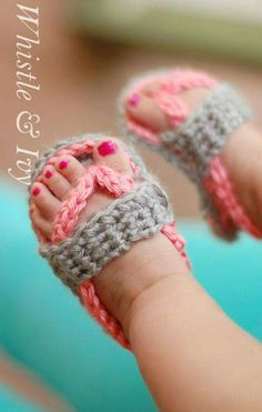 Baby shoes, especially baby sandals, are so darn cute! But many times the plastic or foam ones from the store can be hard to get on baby's feet and uncomfortable for her to wear. That is why crochet baby sandals are an adorable alternative. Crochet Baby Sandals, Crochet Shoes, Booties Crochet, Crotchet Baby Shoes, Crochet Baby Outfits, Crochet Baby Stuff, Baby Girl Crochet, Newborn Crochet, Crochet Slippers