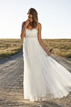 Live Out Your Sexy Boho Bride Dreams In These Effortlessly Chic Wedding Dresses