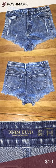 High Waisted Distressed Jean Shorts Perfect for any summer outfit! Shorts Jean Shorts