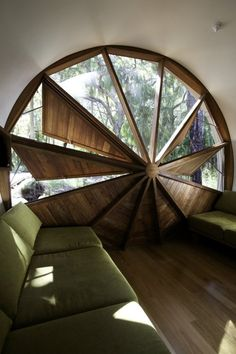 The Drew House's retractable round window | by Simon Laws of Anthill Construction | Seventeen Seventy, Australia (near Gladstone)