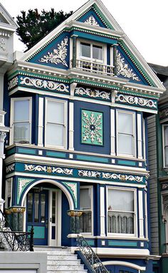 New Exterior Paint Colours For House Cottage Interiors Ideas Modern Victorian Homes, Victorian Architecture, Beautiful Architecture, Beautiful Buildings, Beautiful Homes, Victorian Houses, Victorian Decor, House Beautiful, Victorian Era