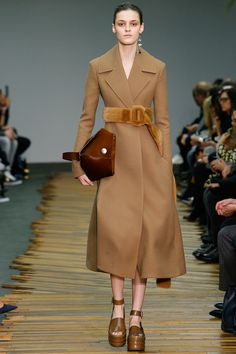 Look 29, Céline Fall 2014 Collection. Everything about this # whispers smart but cool elegance!