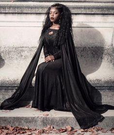 Goth Aesthetic, Black Girl Aesthetic, Afro Punk, Estilo Dark, Black Vampire, Gothic Mode, Goth Subculture, Romantic Goth, Goth Women