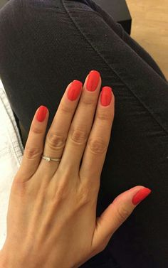 Beauty Nails – DIY nail designs # nail polish # gel nails # nail design # nail designs take a look at The Top 30 Trending Nail Art Designs Of All Season. Coral👌🏼 # nagelkär # nagelförlängning 39 cute simple nail polish art designs for summer – Fashion … Cute Nails, Pretty Nails, Pretty Nail Colors, Nail Courses, Manicure E Pedicure, Red Manicure, Nagel Gel, Professional Nails, Nails Inc