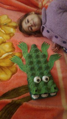 Yumurta kolisi timsah anne baba Asya oyun mutluluk :) Montessori, Dinosaur Stuffed Animal, Teaching, Toys, Animals, Amigurumi, Animales, Animaux, Toy