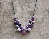 Collar de abalorios de madera, Lila, púrpura, gris, collar babero, collar babero boho, collar contemporáneo.