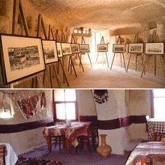 KSKM'den önce otelin kahvaltı salonu olarak kullanılan mekân, orijinal durumuna döndürülerek restore edildi. Böylece burası, artık Kapadokya Gravür Sergi Salonu olarak kullanılıyor.  #kapadokya #uchisar #sanat #kskm #kültür #kültürmerkezi #seyahat #peribacasi #peribacalari #turkey #cappadocia #art #culture #travel #cave #holiday