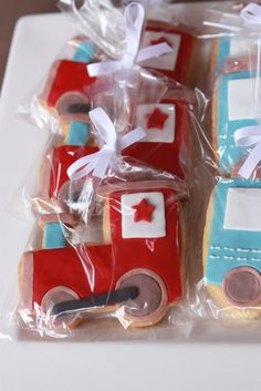 train cookies - second birthday party favors, maybe.