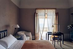 Steal This Look: A Summery Bedroom at Casa Privata in Italy: Remodelista