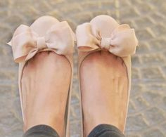 nude flat + huge bow