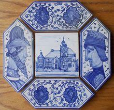 Een grappige combinatie: Kasteel Cannenburgh in een achtkant van Italiaanse renaissancetegels. Old Kitchen, Kitchen Stuff, Rustic Kitchen, Country Kitchen, Ceramic Wall Tiles, Tile Art, Middle Ages, Coasters, Decorative Boxes
