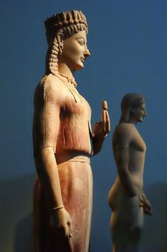 Archaic Kore statue ''Frasikleia'' - 570 - 530 BCE National Archaeological museum of Athens This is one of the finest examples of an Archaic kore (maiden).