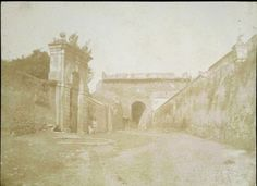 Porta San Pancrazio vista dall'interno [The Defence of Rome - la difesa di Roma, 02] 1849, Summer