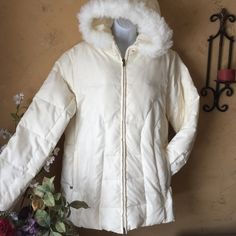 Super Warm & Cozy Down Filled Hooded Jacket L Perfect she's super soft warm and cozy down filled up jacket with a faux fur hood. Like New! Northcrest Jackets & Coats Puffers