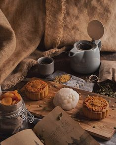 / Mid Autumn/ Camera: Nikon Photographer: Riham Art Director and Editing: Juliet Festival Photography, Cake Photography, Tea Cookies, Cut Out Cookies, Chinese Tea, Chinese Food, Fall Cakes, Mooncake, Mid Autumn Festival