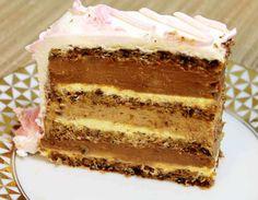 """Kako i sam naziv joj kaže """"Torta nad tortama"""" upravo je takva. Prijateljica mi je pokazala tortu prošli mesec kad sam baš tražila koje ću praviti za dečiji rodjendan. Prilagodila sam je mojim merama, dodala jednu koru, malo više fila i uprostila pripremu tog fila. Tražilo se parče više. Za Easy Cake Recipes, Cupcake Recipes, Sweet Recipes, Baking Recipes, Dessert Recipes, Desserts, Torte Recepti, Kolaci I Torte, Torta Recipe"""
