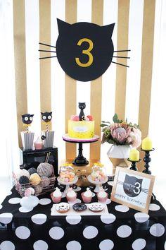 Festa de aniversário do gato da vaquinha através das ideias do partido de Kara de <br> Crie Seu Próprio Produto! KarasPartyIdeas.com (1)