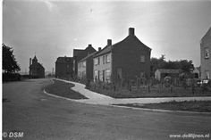 De Kluis in Geleen met de zogenaamde ''beambten-woningen'' in de jaren 50