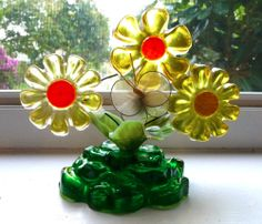 Vintage Lucite Flower Sculpture  Resin Paperweight 1960s, with butterfly