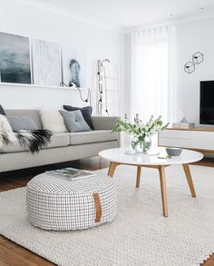One of the comfy and attractive living room layouts is a Scandinavian living room. Scandinavian living room designs have numerous models. One of them is the Scandinavian living room minimalist. Living Room Windows, Living Room Interior, Living Room Furniture, Living Room Decor, Decor Room, Bathroom Furniture, Interior Livingroom, Hall Interior, Wall Decor