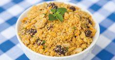 Farofa faaaa! Todo mundo ama uma farofa, esse prato típico brasileiro! E eu passei toda a minha vida achando que ela não podia ser saudável. Vocês também, né? Então resolvi deixar essa lenda pra lá…