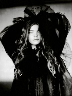Vogue Italia (September 2004) - A Girl of Singular Beauty - Natalia Vodianova - by Paolo Roversi
