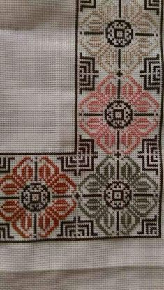vintage linen embroidered table runner Floral Cross by Retroom Cross Stitch Borders, Crochet Borders, Cross Stitch Samplers, Cross Stitch Flowers, Cross Stitch Designs, Cross Stitching, Cross Stitch Embroidery, Hand Embroidery, Embroidery Patterns