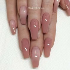 False nails have the advantage of offering a manicure worthy of the most advanced backstage and to hold longer than a simple nail polish. The problem is how to remove them without damaging your nails. Coffin Nails Long, Long Nails, Short Nails, Coffin Nails 2018, Long Almond Nails, Pink Coffin, Long Nail Art, Bridal Nails, Wedding Nails