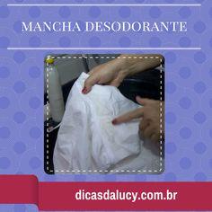 """Bom dia meus amores!!! Aqui em casa tenho muitas camisas sociais para lavar, meu maridão trabalha na """"beca""""! Quando dá faço pré lavagem na axila das camisas, ou seja, esfrego a região das axilas antes de colocar a roupa na lavadora. A pré lavagem serve para remover as manchas esbranquiçadas ou amareladas que se fixam…"""