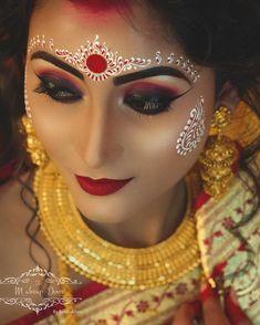 Bridal Hairstyle Indian Wedding, Indian Bridal Photos, Bengali Bridal Makeup, Indian Wedding Makeup, Bridal Eye Makeup, Bengali Wedding, Bengali Bride, Bridal Makeup Looks, Bride Makeup