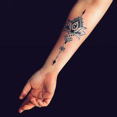 Top 65 Inspiring Tattoo Design Ideas For Girls - Tattoo ideen - Tattoo Designs For Women Arm Tattoos For Women Forearm, Lower Arm Tattoos, Leg Tattoos, Body Art Tattoos, Inner Forearm Tattoo, Girl Tattoos, Sleeve Tattoos, Tattoos For Guys, Tattoo Thigh