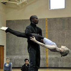 Eric Underwood and Sarah Lamb of The Royal Ballet. Photo by Caitlin Kakigi.