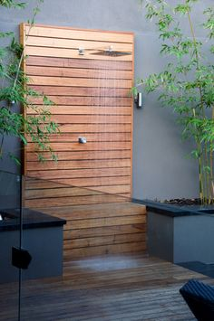 Outside Showers, Outdoor Showers, Pool Shower, Garden Shower, Outdoor Baths, Outdoor Bathrooms, Patio Design, Exterior Design, House Design