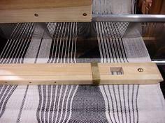 Weaving with a fan reed. #weaving #fan reed