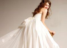 色あせない美しさ♡王道クラシックを極めたラトリエマリアージュのドレスが可愛すぎ♡