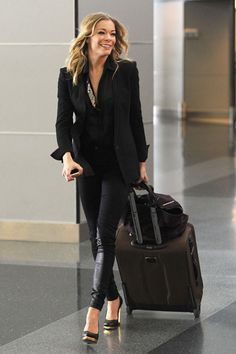 LeAnne Rimes. Chic airport style