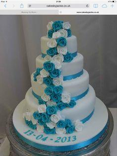Gorgeous Wedding Cake Fresh Flowers Combo You Will Love – Bridezilla Flowers Amazing Wedding Cakes, Elegant Wedding Cakes, Wedding Cake Designs, Wedding Ideas, Fancy Cakes, Cute Cakes, Bolo Artificial, Wedding Cake Fresh Flowers, Quinceanera Cakes