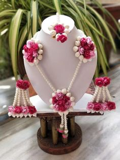 icu ~ Pin on Products ~ - Gotta Patti Flower Pearl Necklace Jewellery Earrings Mang Tika 4 PCS jewellery set,flower set Flower Jewellery For Mehndi, Flower Jewelry, Bridal Jewellery, Handmade Jewellery, Wedding Jewelry, Bridal Bangles, Fashion Jewellery, Gold Bangles Design, Jewelry Design