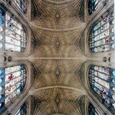 GOTYK: Kaplica King's College w Cambridge - sklepienie prezbiterium, początek XVI w.